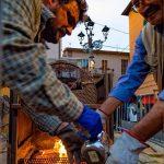 Preparazione delle castagne fatte al fuoco