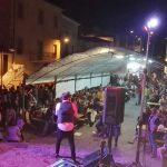 Un concerto in piazza in occasione della festa