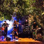 Il concerto di una Folk Band durante Birragustando