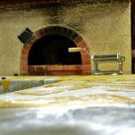 La pasta delle lasagne viene fatta a mano